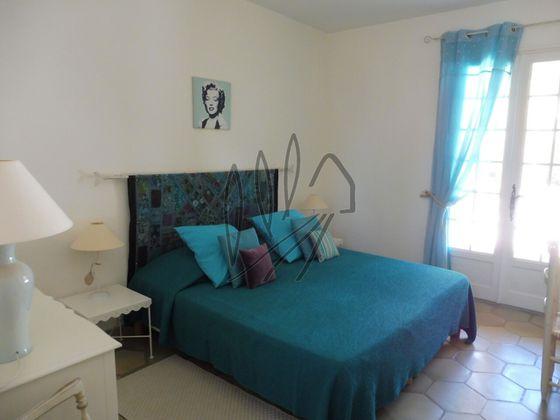 Vente villa 6 pièces 268 m2