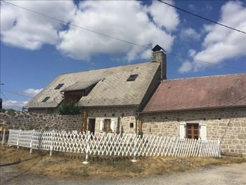 maison à Saint-Julien-près-Bort (19)