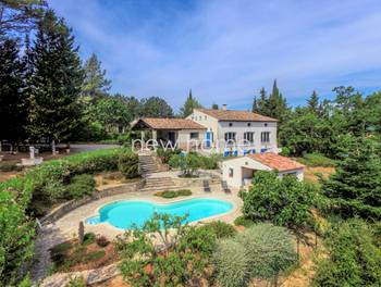Villa 8 pièces 285 m2