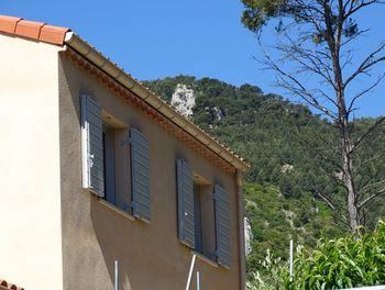 villa à Le Revest-les-Eaux (83)