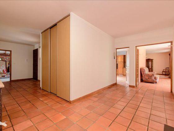 Vente maison 5 pièces 178 m2