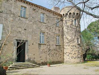 Château 25 pièces 1400 m2