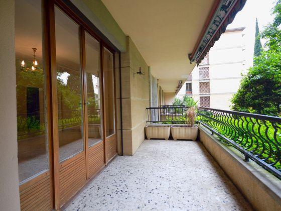 vente Appartement 3 pièces 98 m2 Aix-en-Provence