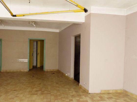 Vente divers 10 pièces 192 m2