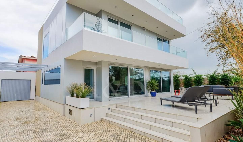 House with terrace Cascais