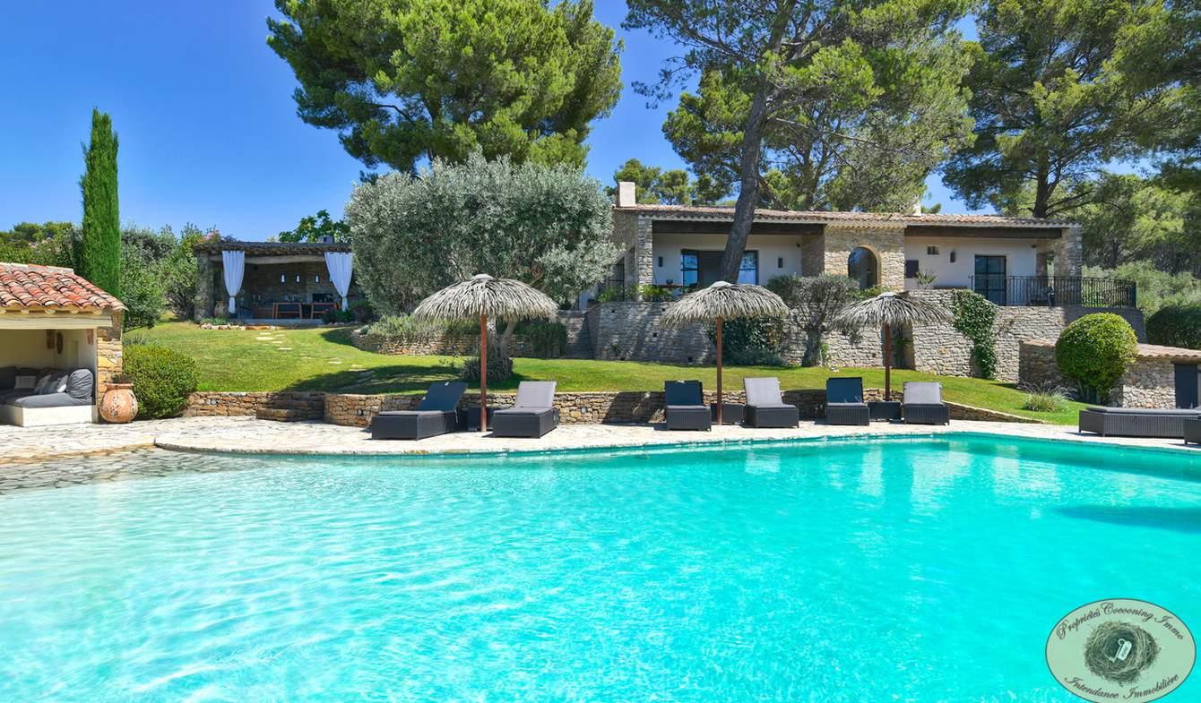 Propriété avec piscine et jardin Le Beausset