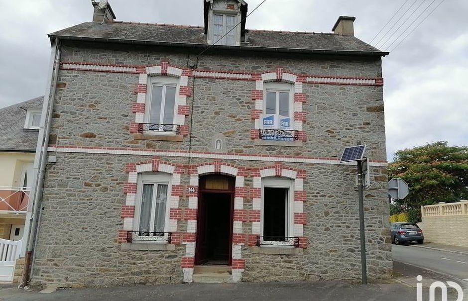 Vente maison 3 pièces 85 m² à Fougeres (35300), 152 000 €