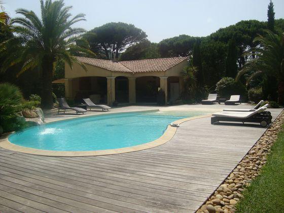 Vente propriété 10 pièces 450 m2