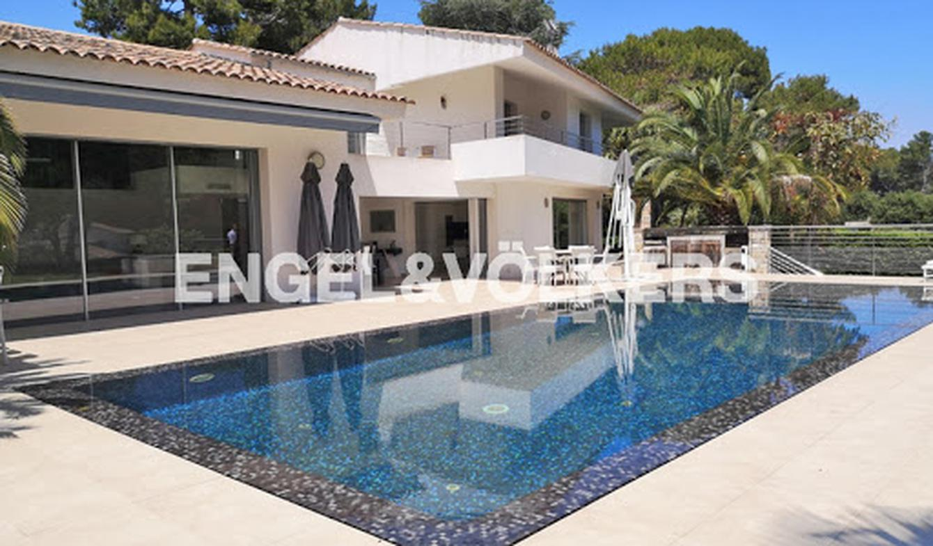Villa with pool and terrace Juan les pins