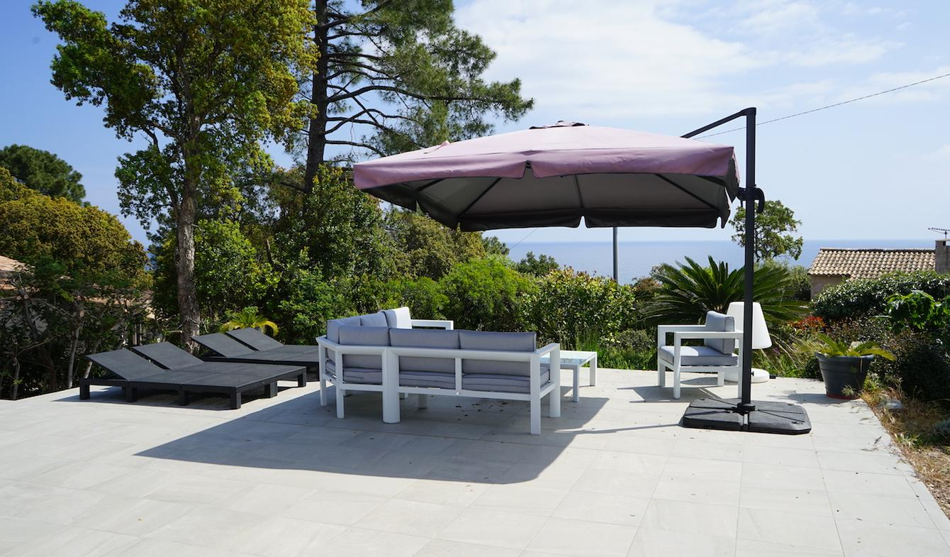 Villa en bord de mer avec jardin Sainte lucie de porto vecchio