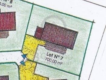 Terrain 700 m2