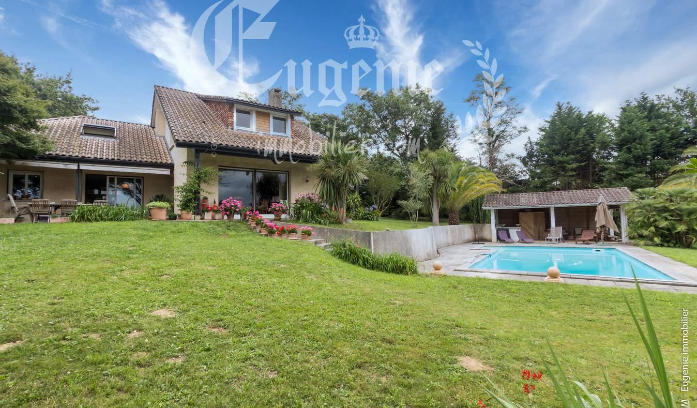 Villa with pool and garden Salies-de-bearn