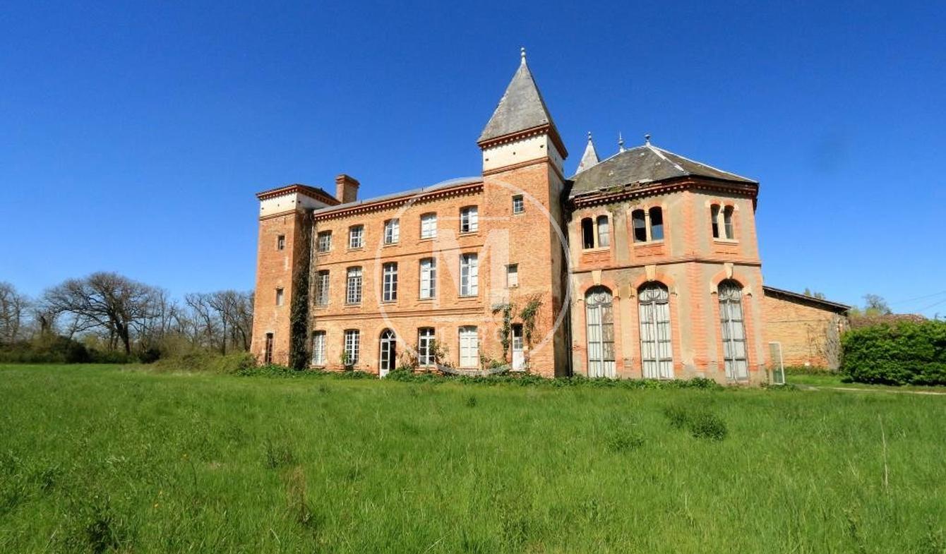 Castle Muret