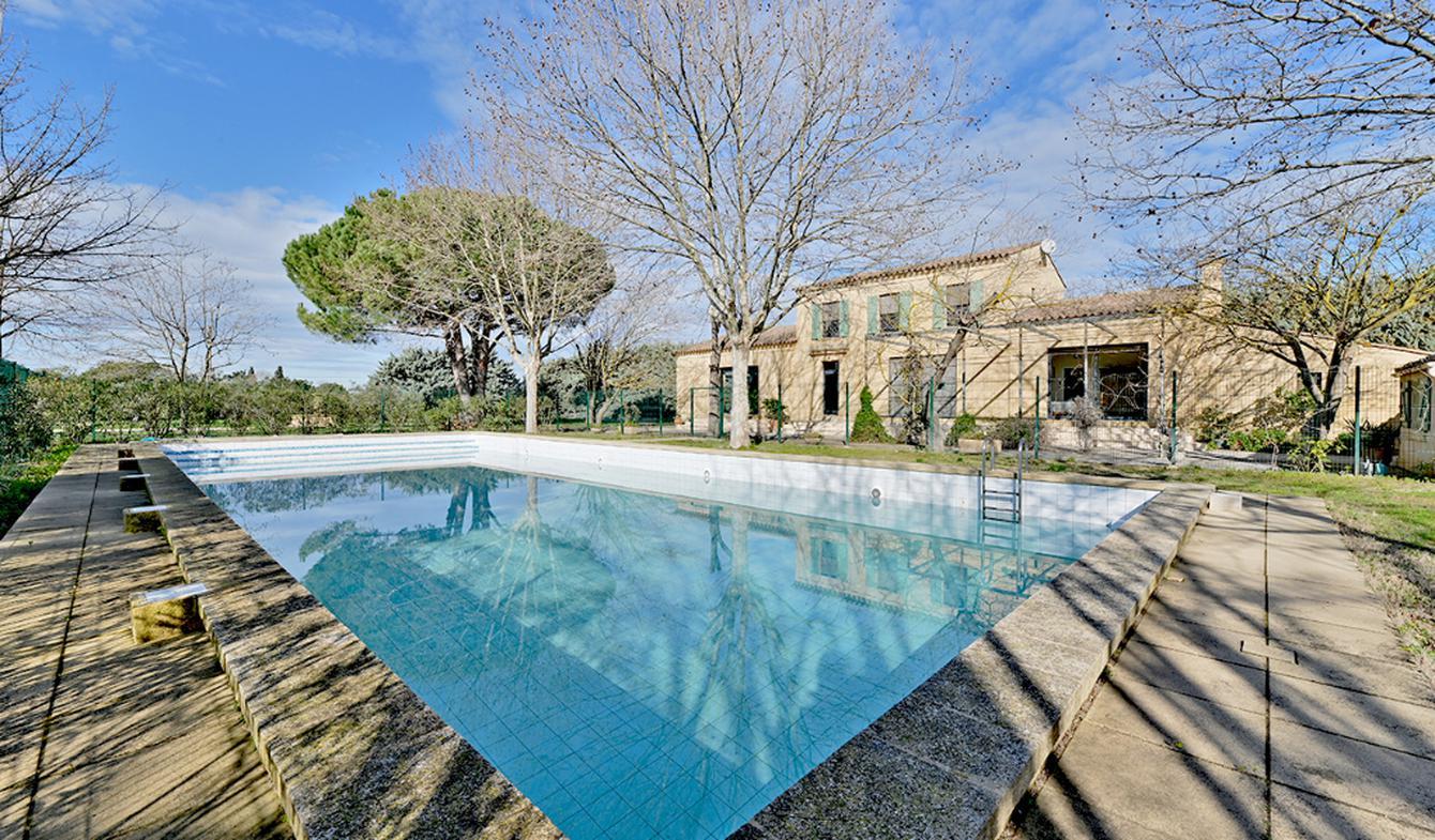 Maison avec piscine Saint-Laurent-d'Aigouze