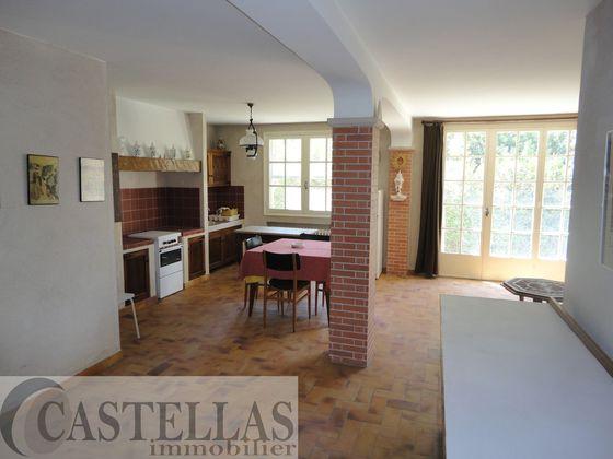 Vente propriété 8 pièces 200 m2