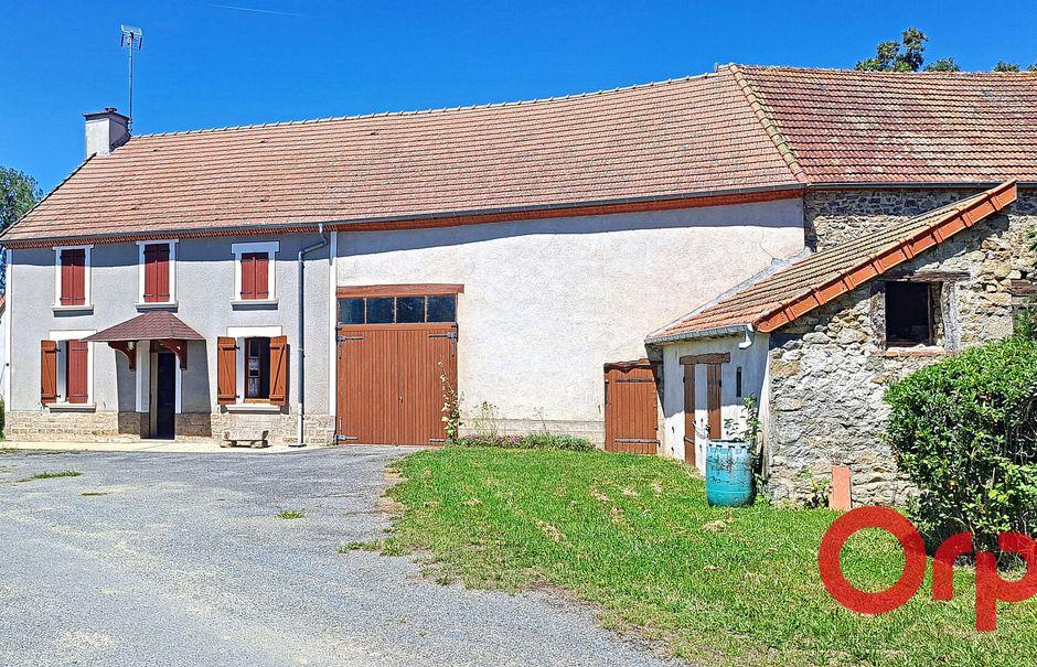 Vente maison 4 pièces 85 m² à Parsac (23140), 110 000 €