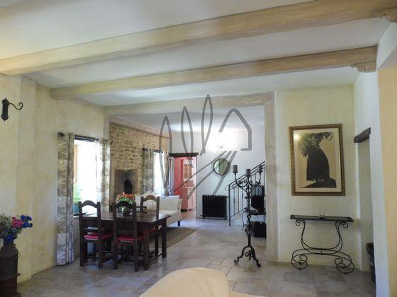 Vente maison 10 pièces 558 m2