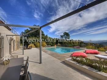 Villa 8 pièces 264 m2