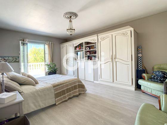 Vente maison 5 pièces 273 m2