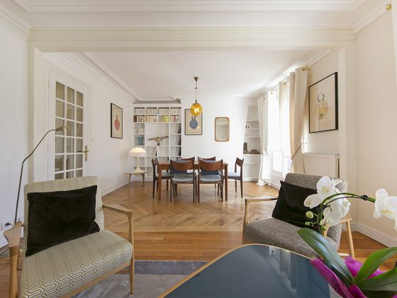 Location appartement meublé 2 pièces 64 m2