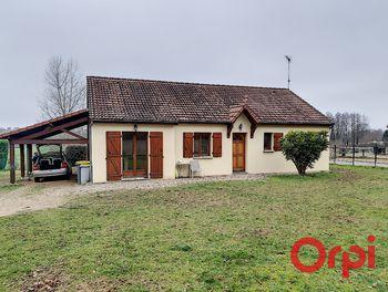 maison à Saint-Victor (03)