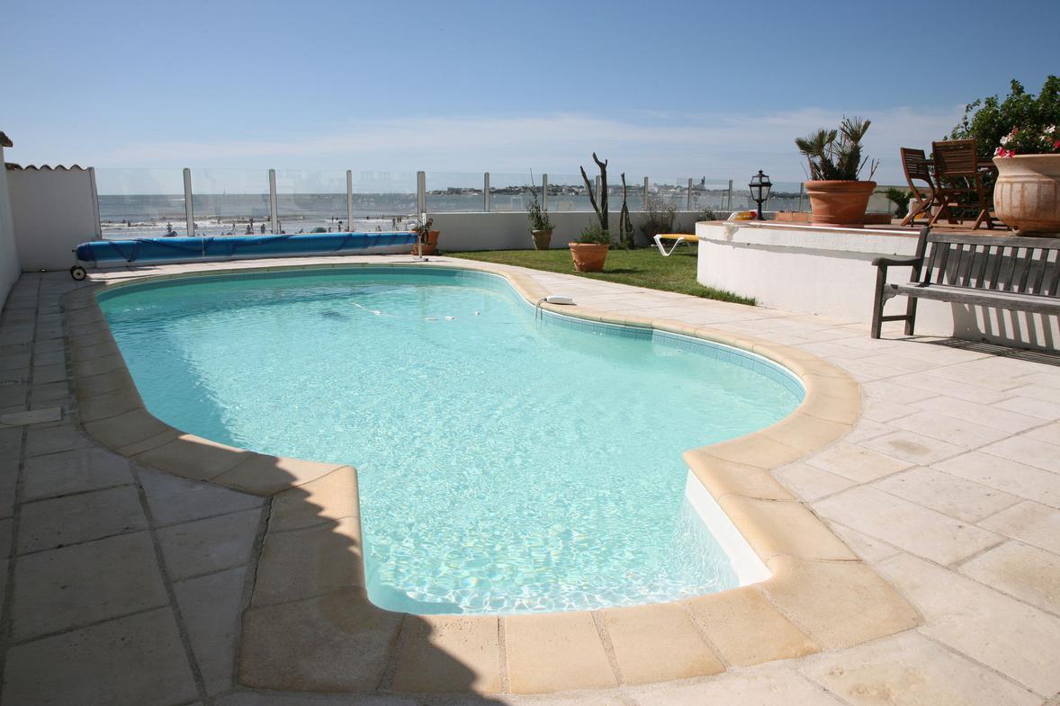 location saisonniere maison avec piscine royan ventana blog. Black Bedroom Furniture Sets. Home Design Ideas