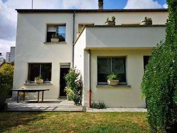 Maison 9 pièces 243 m2