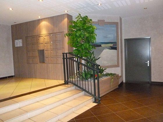 Location appartement meublé 3 pièces 65 m2