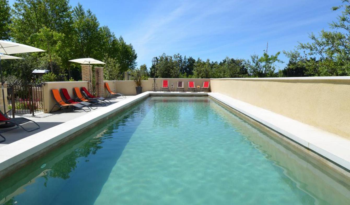 Maison avec piscine Vallabrègues