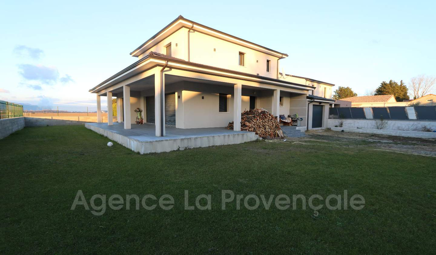 House with terrace Montelimar