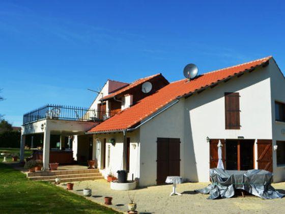 Vente villa 8 pièces 215 m2