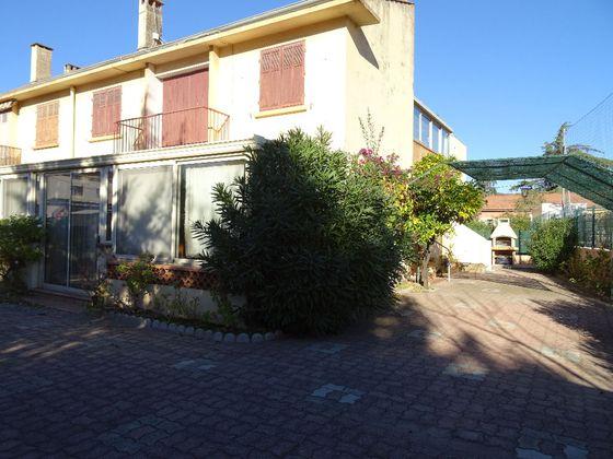 vente Maison 6 pièces 150 m2 Toulon