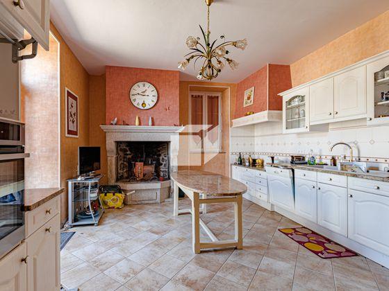 Vente maison 11 pièces 370 m2