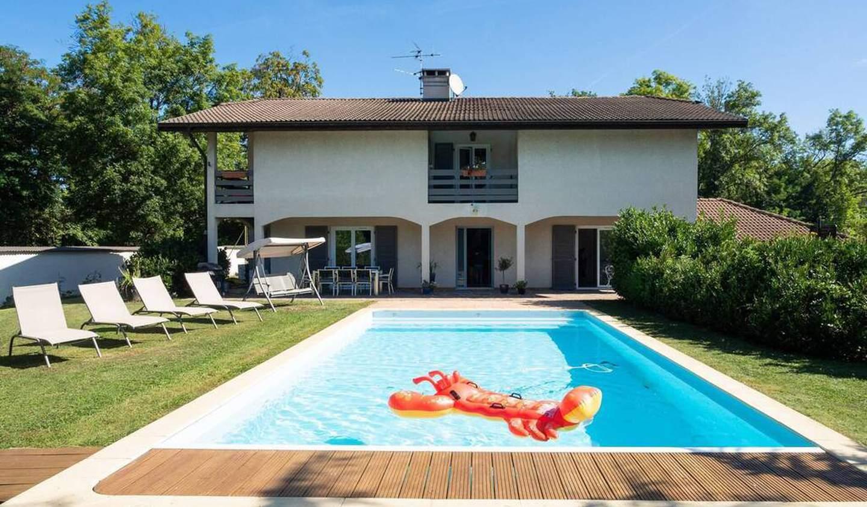 Maison avec terrasse Ville-la-Grand