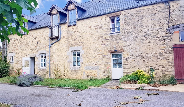 Maison Saint-Pierre-des-Nids