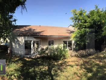 Maison 10 pièces 134 m2