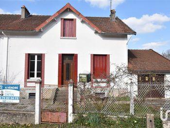 maison à Saint-Sulpice-Laurière (87)