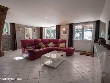 Maison 6 pièces 219 m2