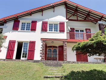 maison à Serres-Morlaàs (64)