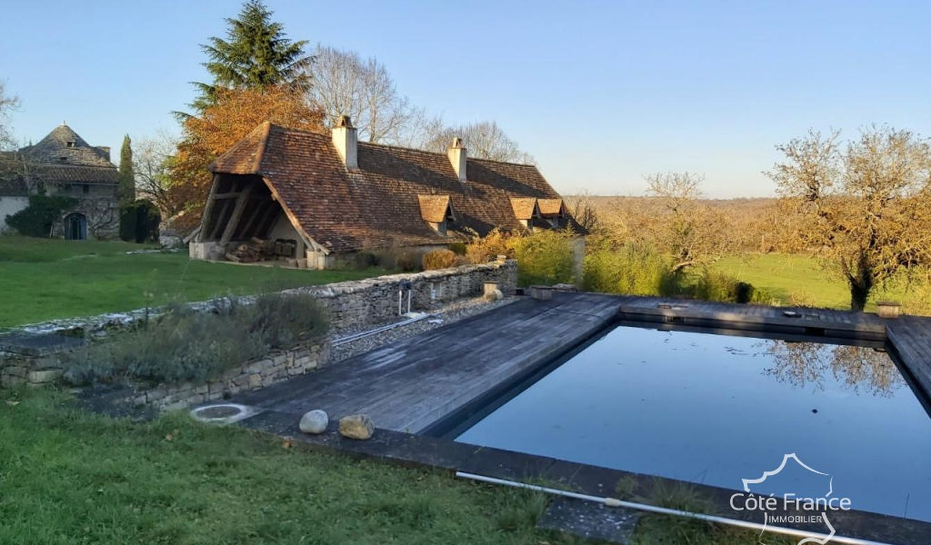 Property with pool Figeac