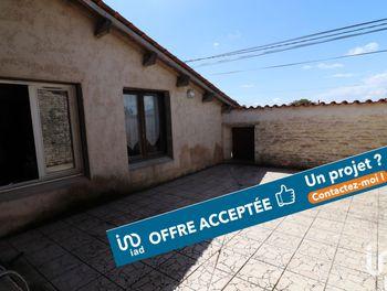 maison à Saint-Cyr-du-Doret (17)