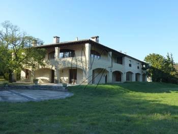 Maison 11 pièces 554 m2