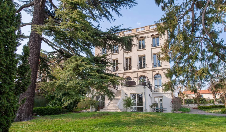 House with terrace Saint-Cloud