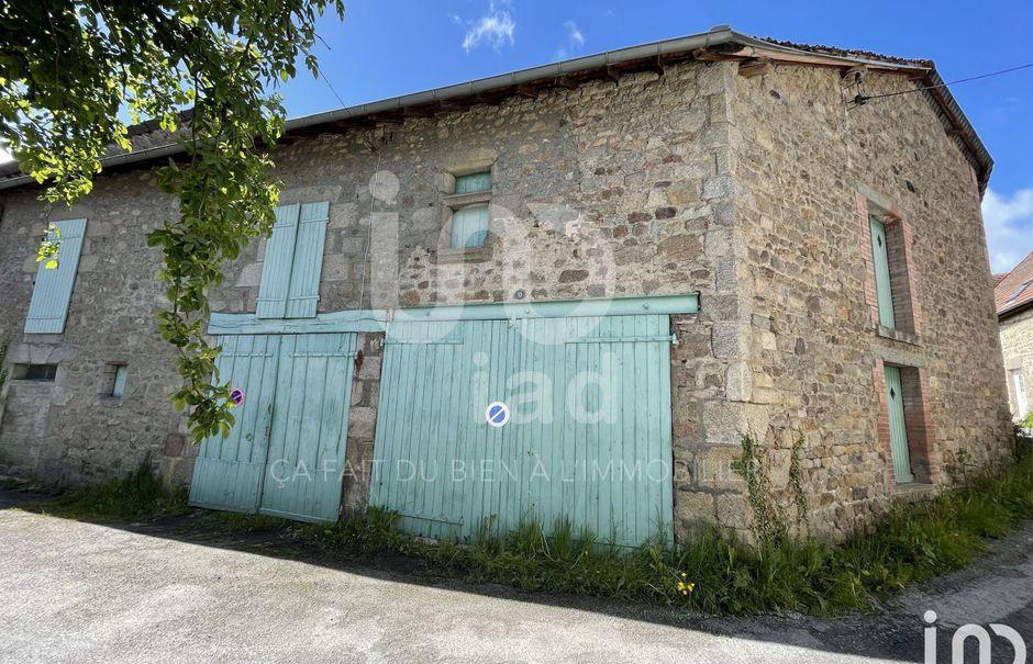 Vente parking  355 m² à Ahun (23150), 35 000 €