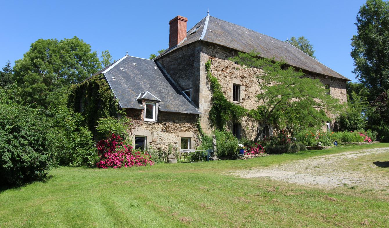 Property with pool Bersac-sur-Rivalier