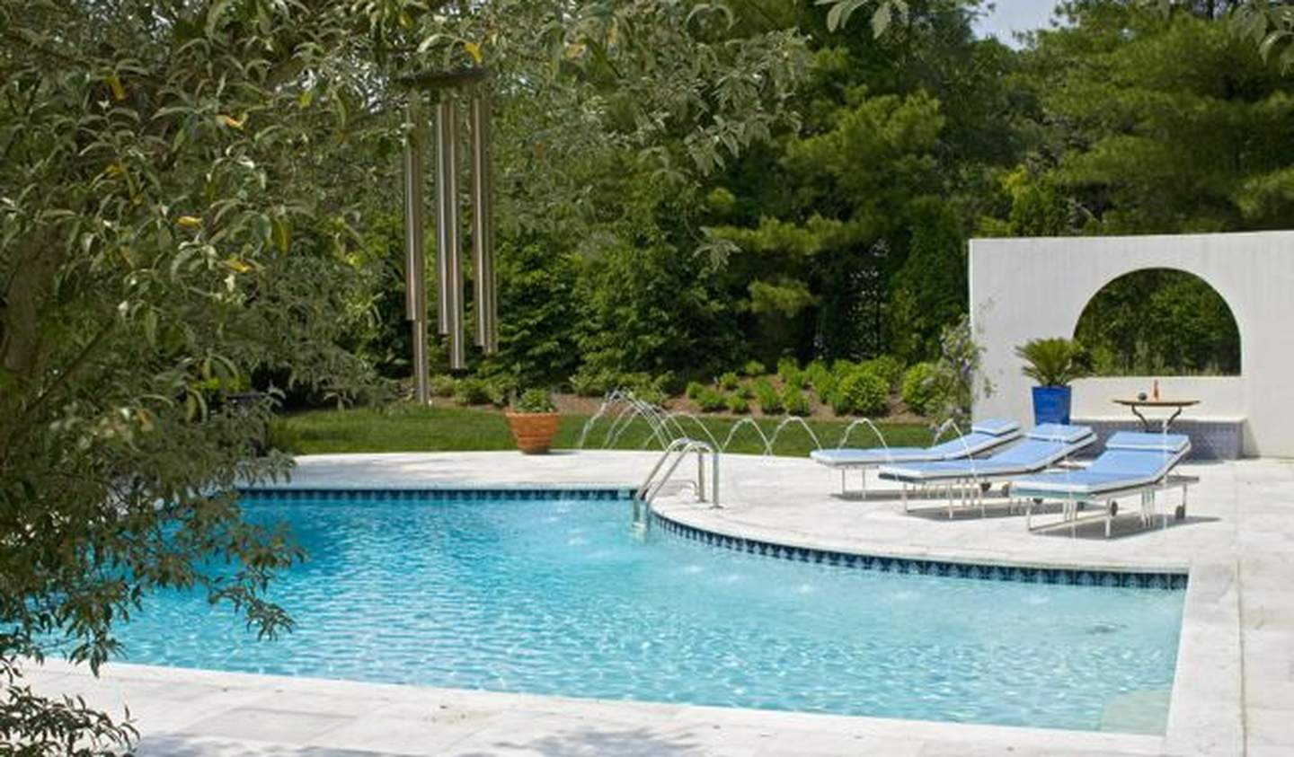 Seaside property with pool New York