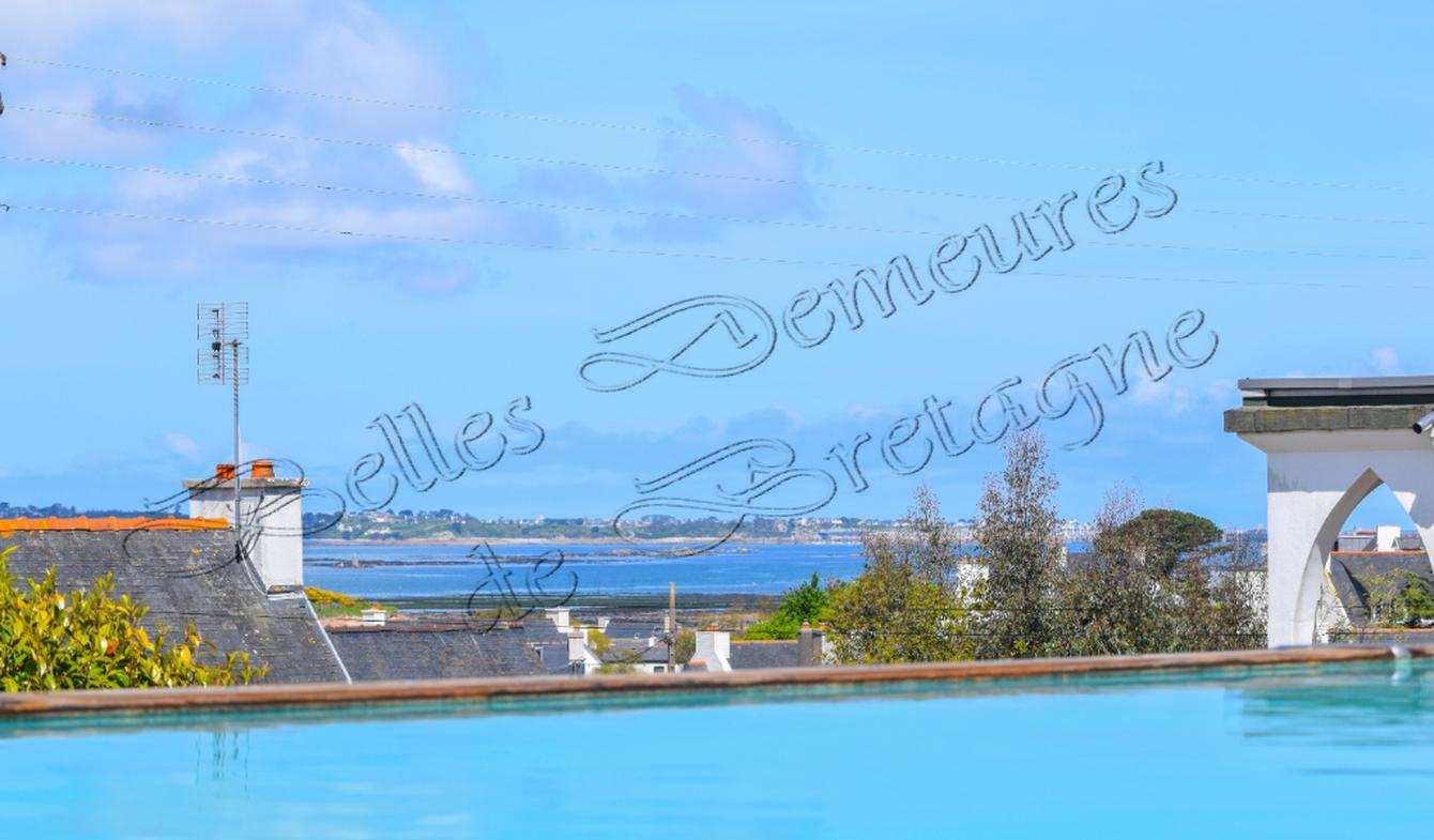 Maison avec piscine et terrasse Carantec