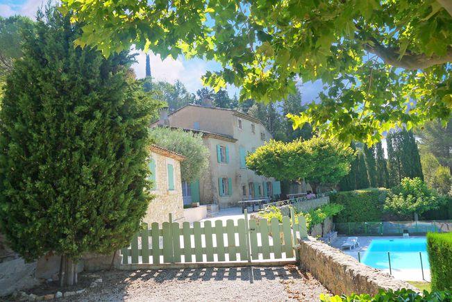 Property with Pool, Tourtour