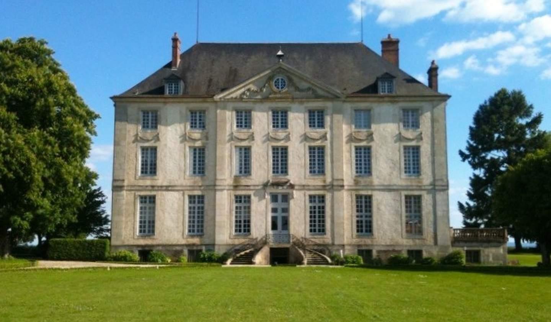 Château classé monument historique Avallon