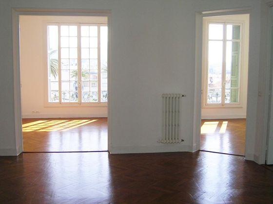 Location appartement 6 pièces 123 m2